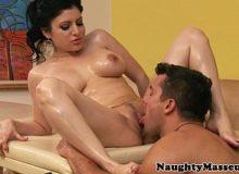 Mulher com o seu massagista fodendo no filme sexo