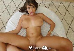 Sexx pica boa e socada na jovem dos peitos macios