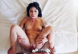 Bem safada jovem gamer no porno xv dando para o rapaz